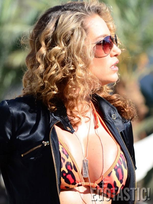 Jennifer Nicole Lee Pool Photos