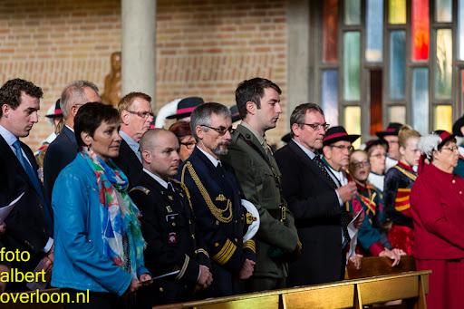 herdenkingsdienst  en een stille tocht naar het Engelse kerkhof 12-10-2014 (8).jpg