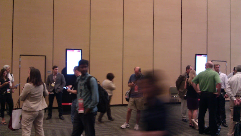 Crowd outside PeopleSoft Roadmap Session
