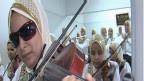 مكفوفات عربيات يتألقن في أداء الموسيقى