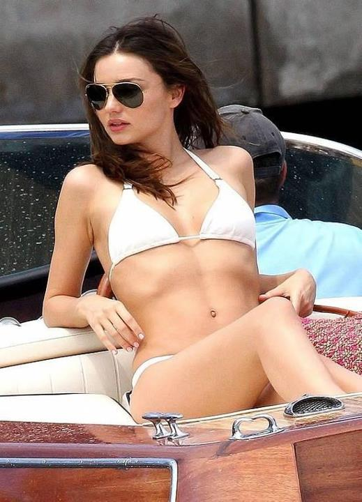 Miranda_Kerr_sunglasses_RAY_BAN_AVIATOR_LARGE_METAL_RB_3025