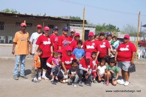 Equipo Vallecillo en el softbol femenil del Club Sertoma
