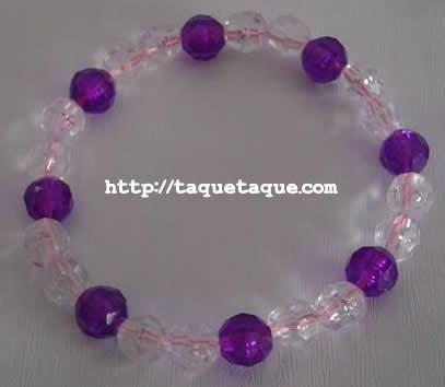 pulsera violeta y blanco transparente