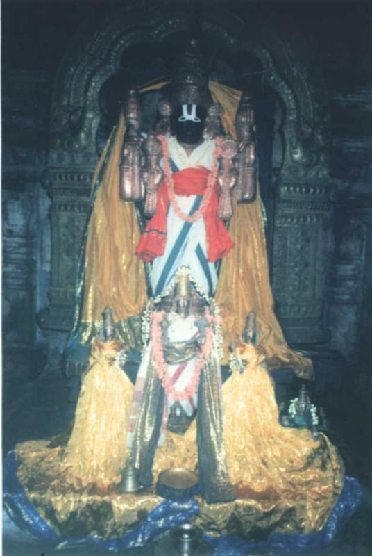 Thondanur (Kere Thonnur) - Sri Nambi Narayana Temple, Padavapura, Mandya