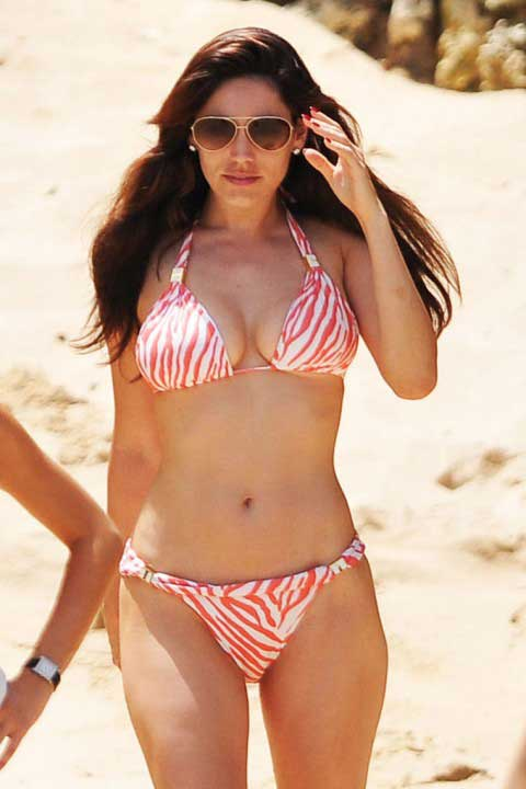 kelly brook latest swimsuit photos in 2010:celebrities0