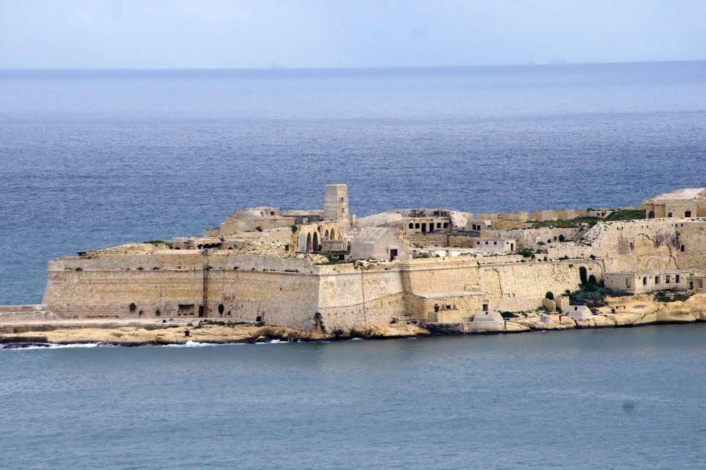 Мальта - ты на карте лишь точка малая в синеве Средиземного моря (c). Ноябрь 2012 г. и октябрь 2018 г.