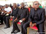 Des députés rendant hommage à King Kester Emeneya le 01/02/2014 au palais du peuple, siège du parlement à Kinshasa après l'arrivee de la dépouille en provenance de Paris. Radio Okapi/Ph. John Bompengo