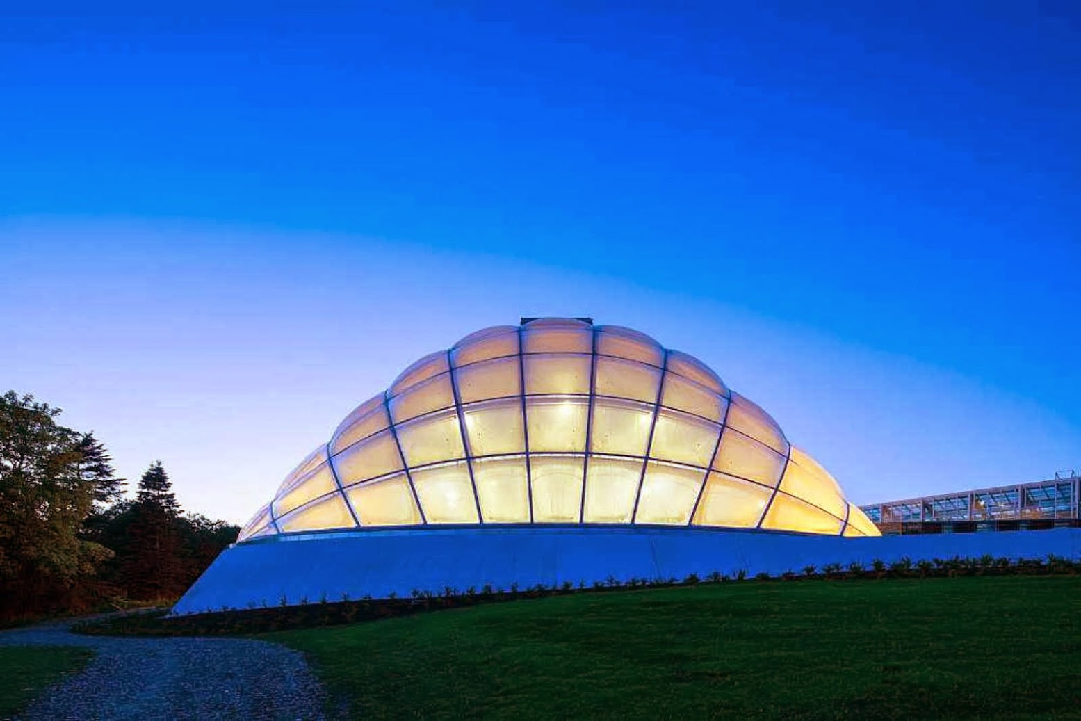 03-Greenhouse-in-the-Botanic-Garden-by-C.F.-Møller-Architects