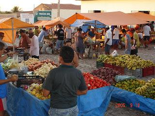 Resultado de imagem para foto da feira livre de carnaubais