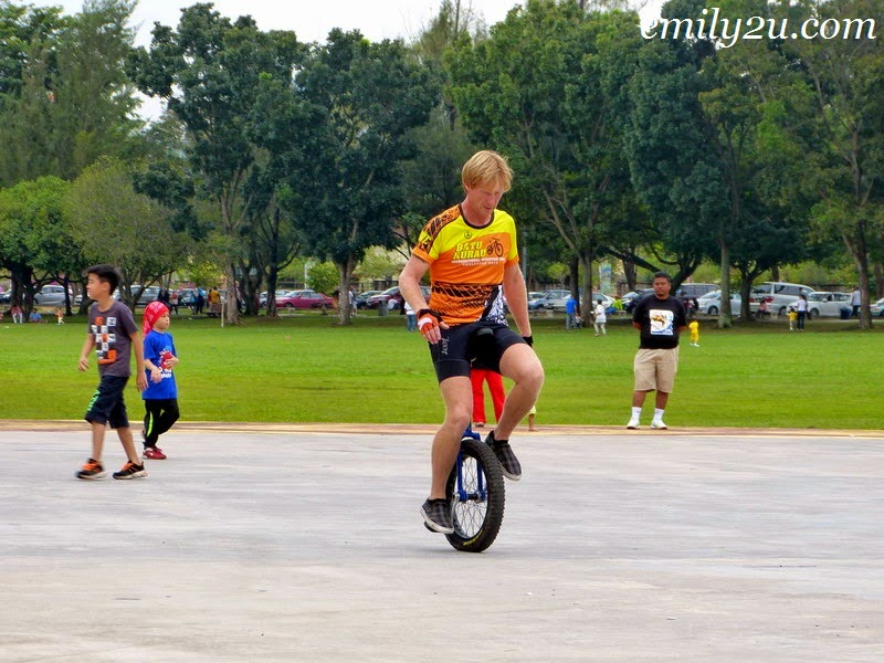 learn how to ride a unicycle
