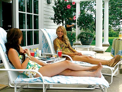 Blake Lively and Leighton Meester - Page 5 A-hamptons-chat