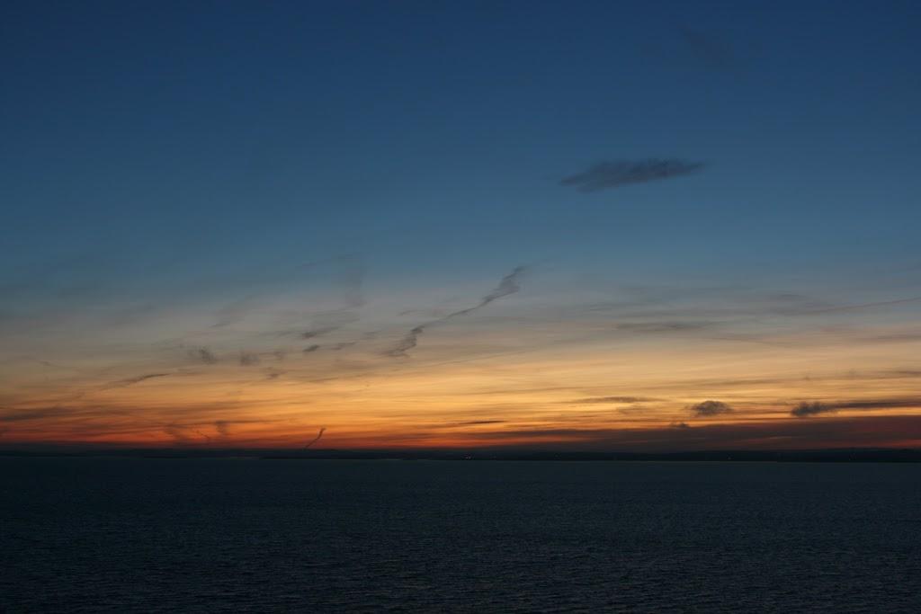 Bei der Ausfahrt aus dem Oslofjord war die Sonne endgültig weg