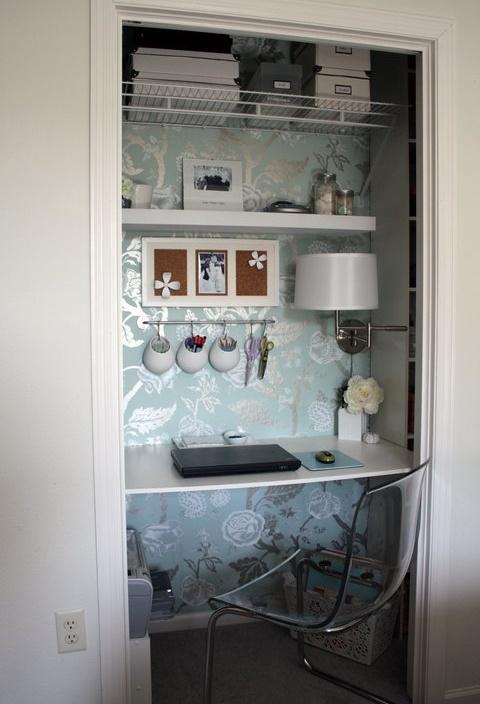 Creative Table Inside Closet
