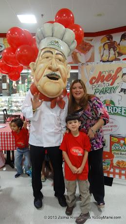 Lil Man y yo junto al Chef.