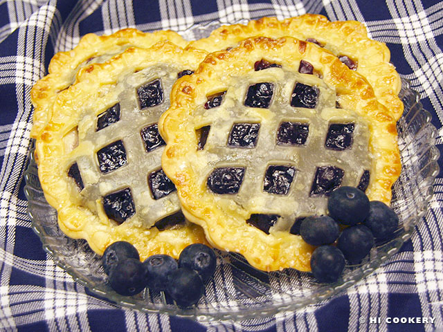 Blueberry Pie Pockets