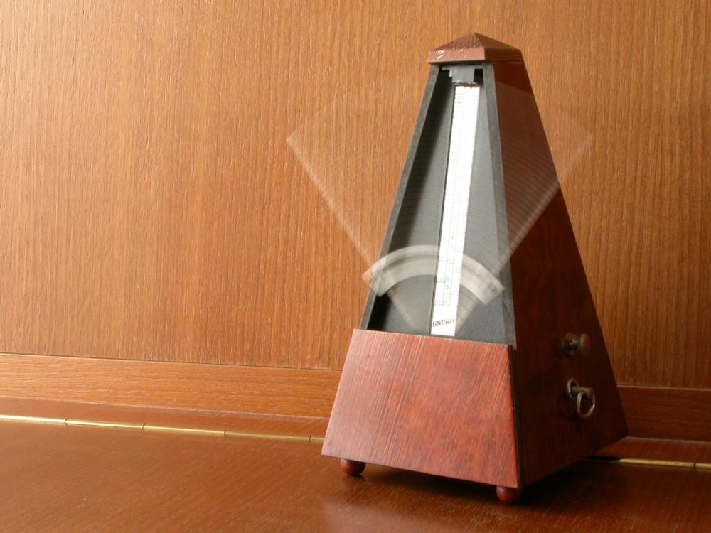 [Hình: metronome-1000x750.jpg]