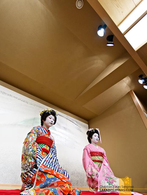 Geishas at Sakura Jaya in Tokyo
