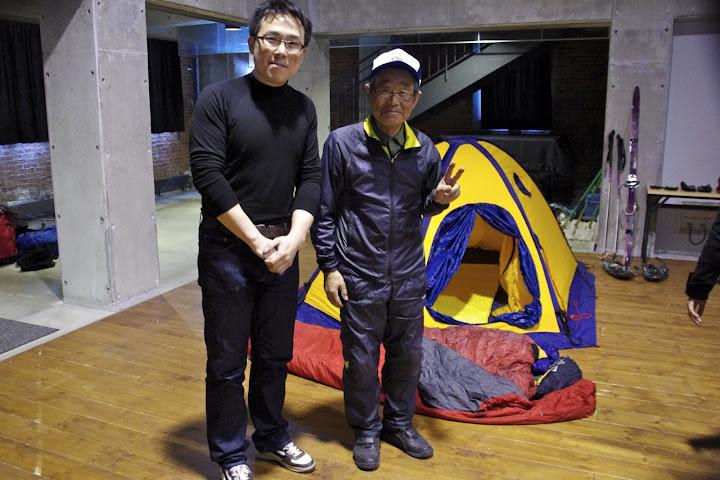 米田穣先生(右)と荻田泰永さん(左)