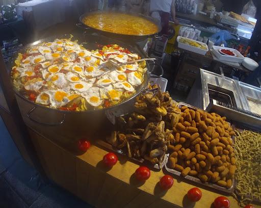 coruna market 3.jpg