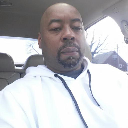 Derrick Johnson Photo 35