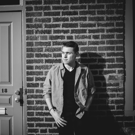 Cameron James Photo 24