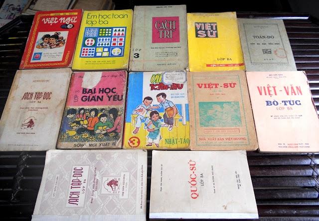 Sách giáo khoa tiểu học cũ - nơi lưu giữ từng trang ký ức DSCN2781