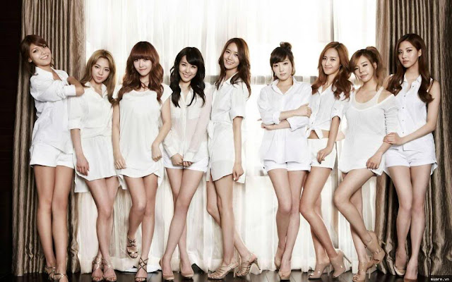 Các ca sĩ nổi tiếng Hàn Quốc thường xuyên sử dụng tất phun để chân nhìn căng, mịn mang mượt hơn