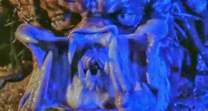 Screen Shot Of Hollywood Movie Predator 2 (1990) In Hindi English Full Movie Free Download And Watch Online at Alldownloads4u.Com