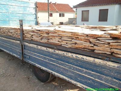 Bilećki kamen - mozaik natovaren na kamionu