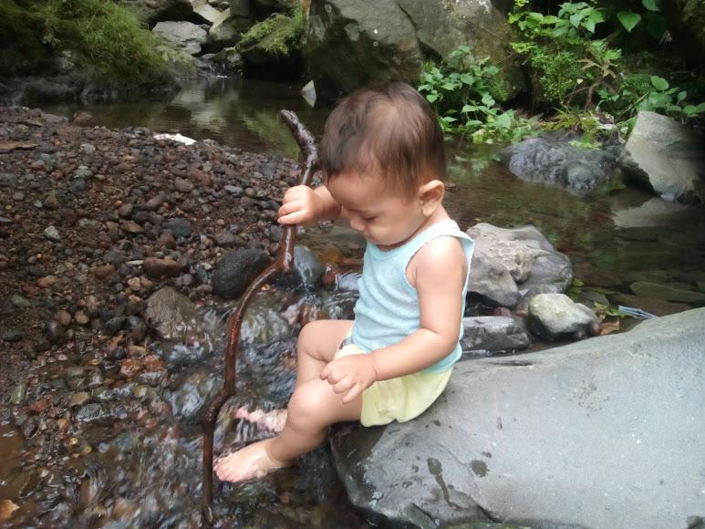 Al sangat menikmati main air dingin disini