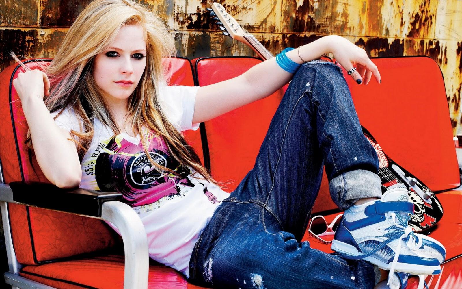 Avril Lavigne 1 Wallpapers: Avril Lavigne Hot Wallpapers
