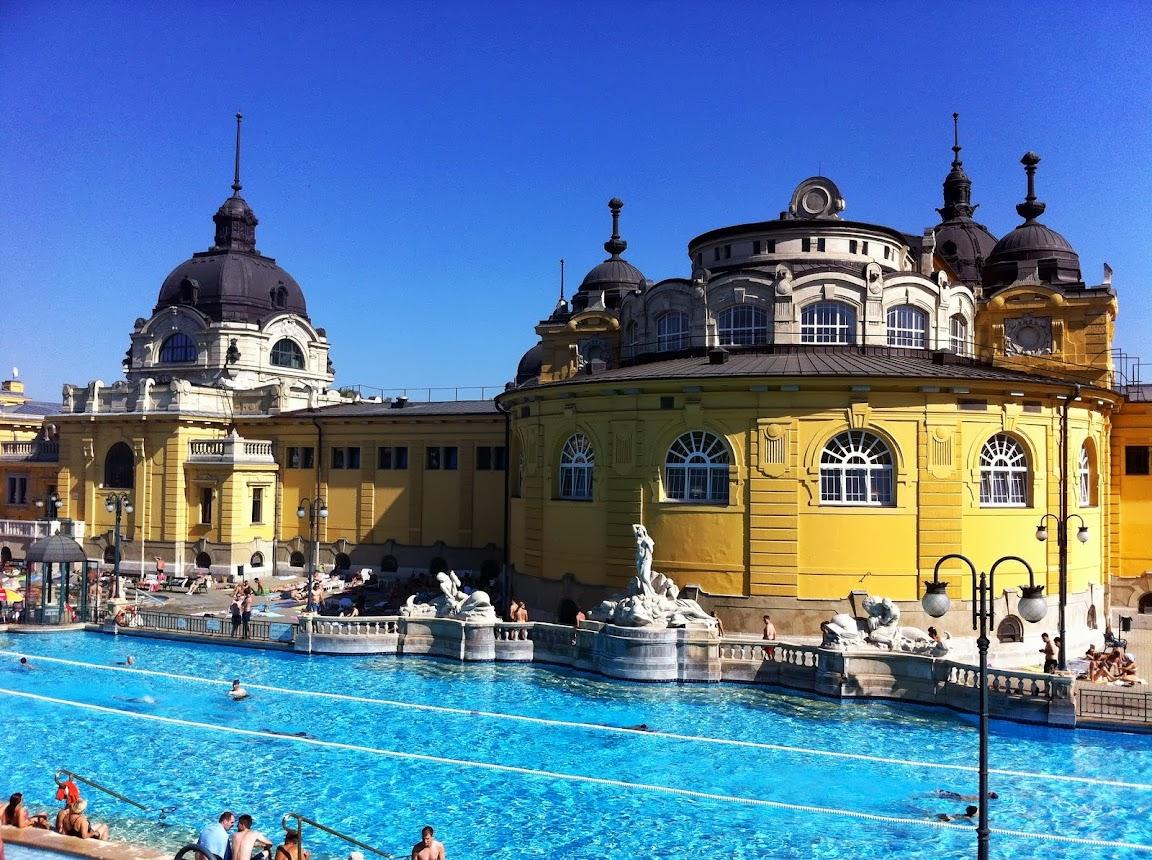 Luoghi da non perdere: Budapest: Bagni Termali Szechenyi e Gellért