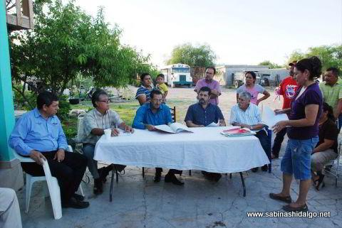 Se compromete alcalde a apoyar a vecinos con regularización de terrenos