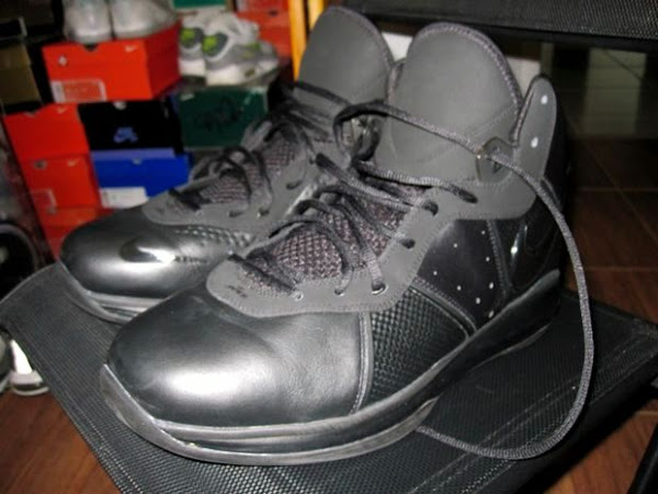 Nike Air Max LeBron 8 V1 8220Triple Black8221 Wear Test Sample