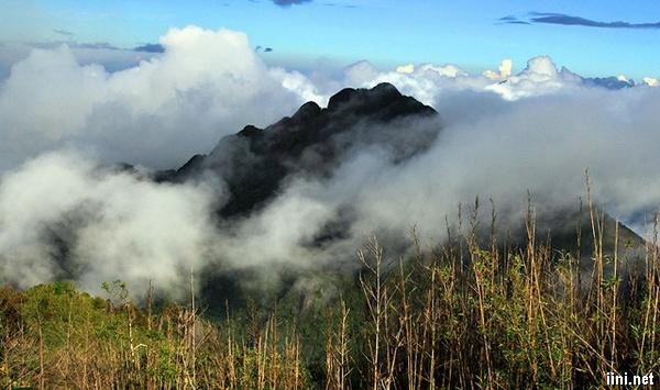 Thơ tình Mây, Gió và Núi