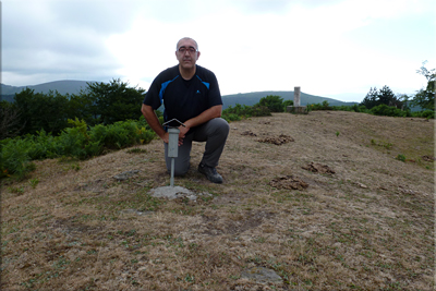 Usako atxa mendiaren gailurra 913 m. -  2012ko uztailaren 15ean