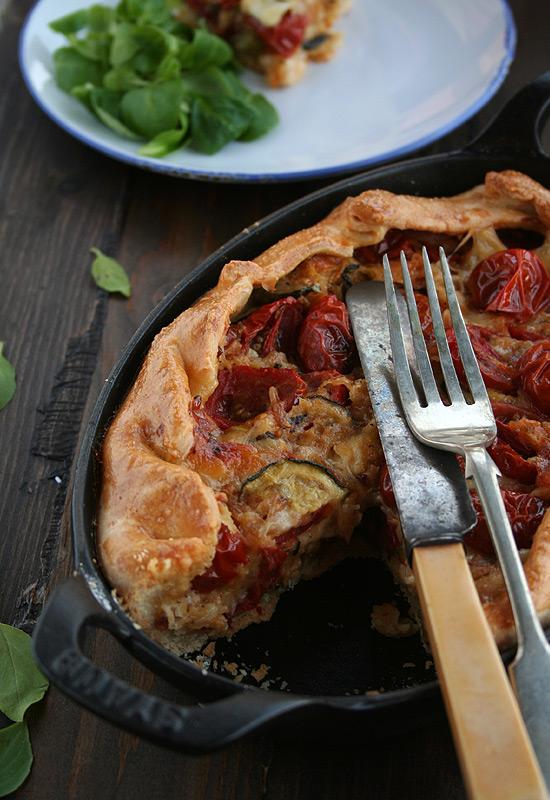Tarta de tomates cherry, calabacin y mozzarella
