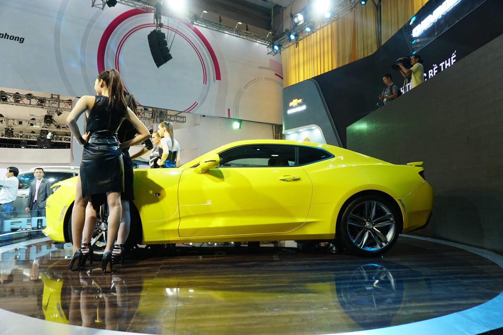 Xe có màu vàng cực nổi và dáng ngoài cực khỏe khoắn