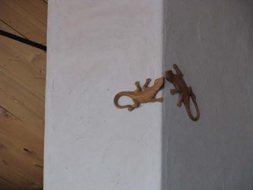 さーふーふー・柱の鳴きヤモリ装飾