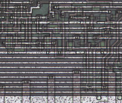 The metal layer of the 8085 microprocessor, zoomed in on the V flag circuit.