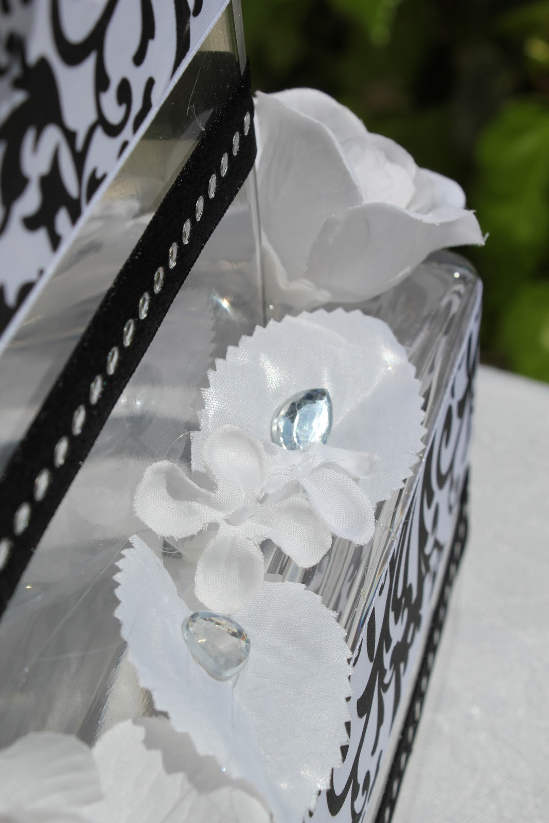 Unique Floral Arrangement Ideas for Events & Homes: Wedding Cakes ...