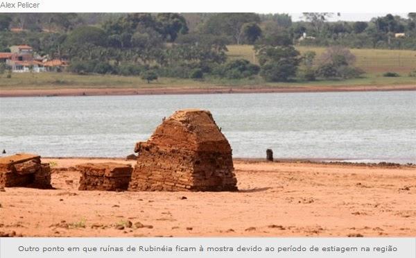 Outro ponto em que ruínas de Rubinéia ficam à mostra devido ao período de estiagem na região.