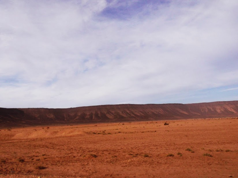 Marrocos e Mauritãnia a Queimar Pneu e Gasolina - Página 12 DSCF1428