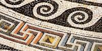 σπείρες και τετράγαμμον σε διακόσμηση ψηφιδωτού,spirals and swastika decoration in mosaic