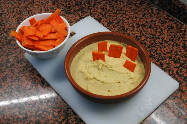 Hummus con zanahorias