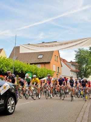 In Neuenburg fiel der Startschuss für die letzte Etappe der Rothaus Regio-Tour durch das Markgräflerland.