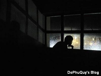 Những bài thơ cô đơn khi đêm về