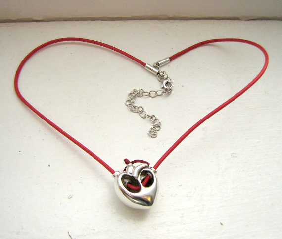 Modern Anatomical Heart Pendant