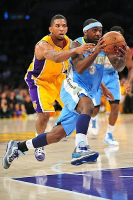 wearing brons nba lebron8 v2 hornets 01 Wearing Brons: Cavs and Bledsoes new Soldier 6 PEs and More!