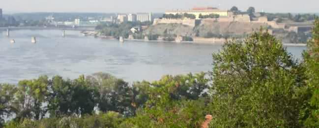 Festung Petrovaradin (Петроварадин; deutsch: Peterwardein) bei Novi Sad (Нови Сад) an der Donau